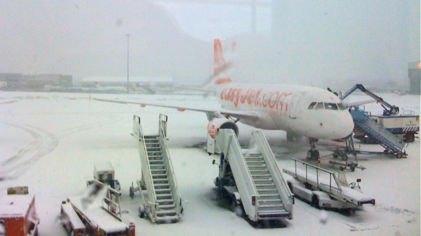 Easyjet plane in snow - CC / Flickr