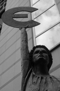 Statue at the EP - CC / Flickr